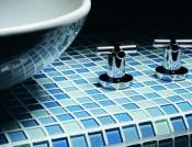 fliser-galleri-94-hvis-badevrelset-skal-vre-et-fristed-skal-du-overveje-bl-glas-mosaik