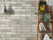 fliser-galleri-91-denne-overfladestruktur-giver-vaeggen-en-variation-som-rigtige-mursten