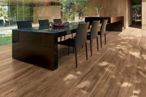 Fliser-galleri-109-Et-træ-gulv-du-ikke-behøver-dig-om-slidtage-og-ikke-skal-overfladebehandles