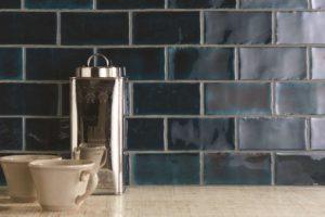 Fliser-galleri-47-Håndlavet-look-til-dit-køkken-skaber-et-tidsløst-design