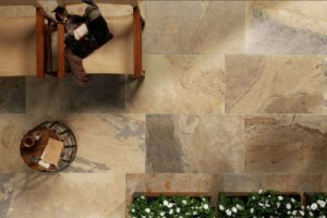 Fliser-galleri-70-Et-vigtigt-element-i-skabe-den-rette-rustikke-men-varme-stemning-er-klinke-gulvet