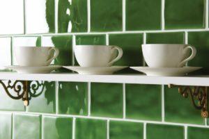 grønne vægfliser i dimensionen 10x10 cm