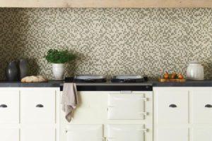 mosaikfliser i flot farve spil til køkken væggen